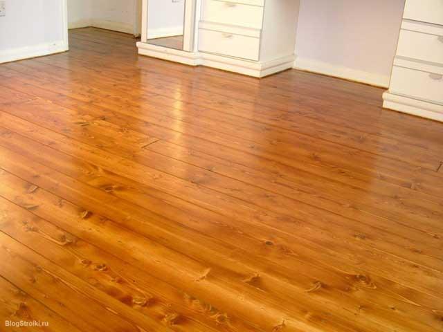 отделанный деревянный пол