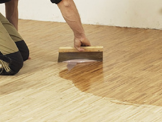 Чем покрыть деревянный пол в доме: выбираем лучший вариант